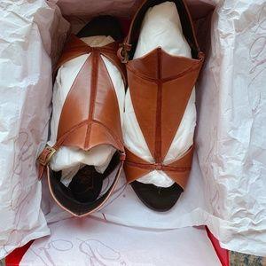 NIB Roger Vivier Kitty Kite brown sandals EU37